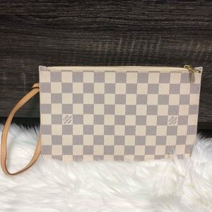 LOUIS VUITTON NEVERFULL POUCH IN DAMIER AZURE